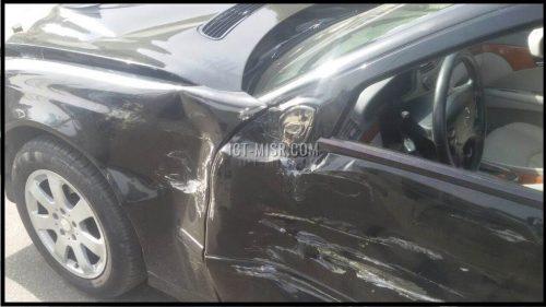 السيارة دمرت تماماً بعد حادثة التصادم مع النقل